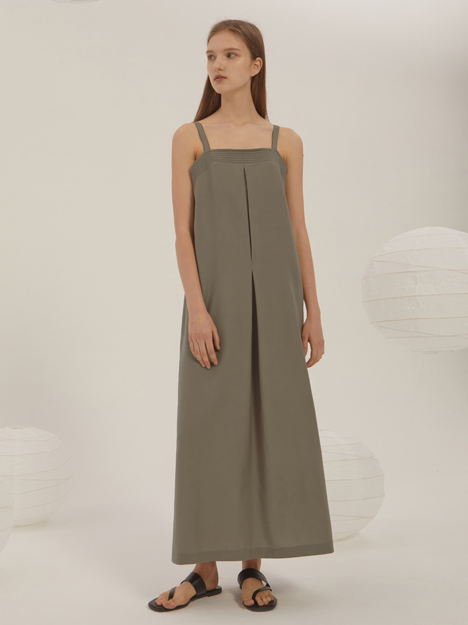 SUMMER WOOL SLEEVELESS DRESS_Olive